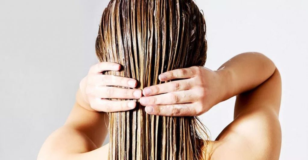 מסיכת שיער מצמחי מרפא, אבקת אמלה, אבקת שיקאקאי ואבקת ברהמי