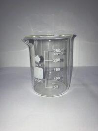 כלי מדידה מזכוכית לנוזלים 250